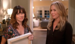 'Dead to Me's' Christina Applegate and Linda Cardellini on the joys of improv: 'That gets my juices going' [EXCLUSIVE VIDEO]