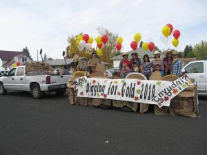 The Gold Dust Potatoes Spud Festival Float