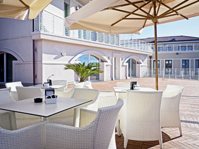how to clean patio furniture and