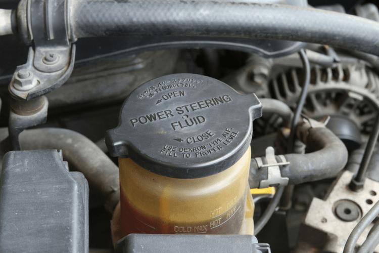 Автомобильные эксперты рекомендуют заменить жидкость для гидроусилителя руля примерно на 60 000 миль.