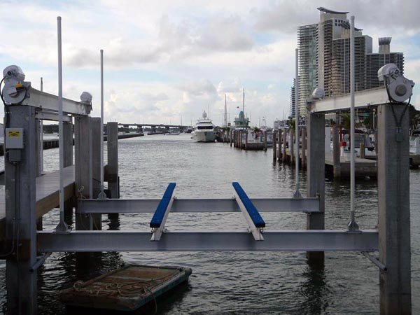 Marina Boat Lifts Golden Boat Lifts