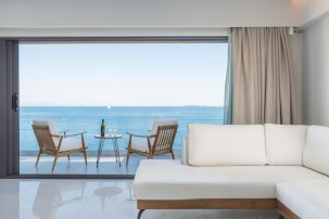 golden-mare-family-room-suites-new-sea-view