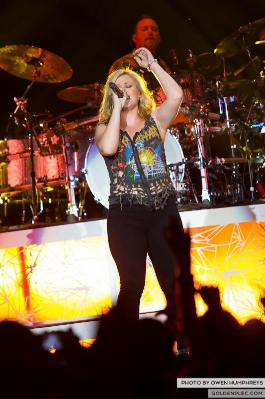 Kelly Clarkson @ The O2  by Owen Humphreys-10