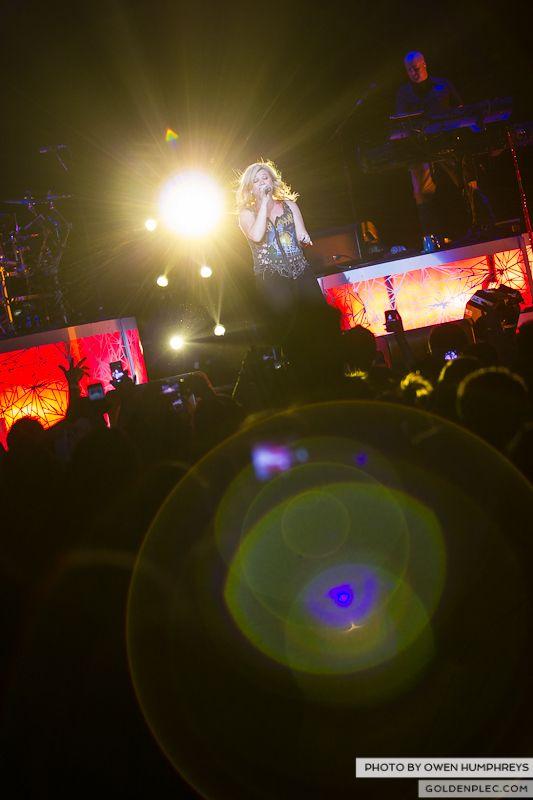 Kelly Clarkson @ The O2  by Owen Humphreys-11
