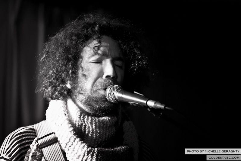 18 Nov 2012 – Si Schroeder at Whelans-4334