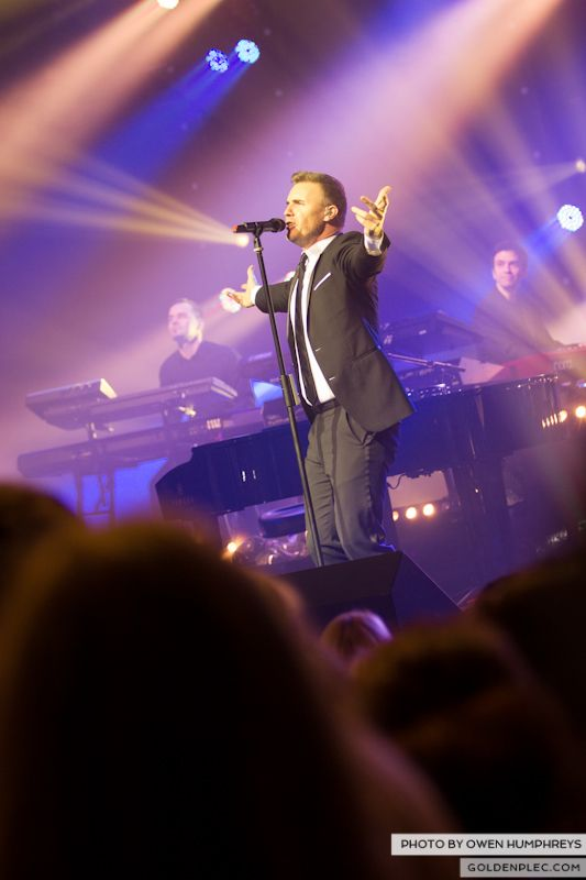Gary Barlow @ The Olympia on 7-1-13 (10)