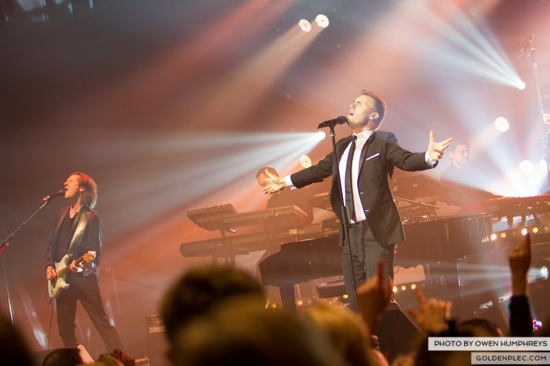 Gary Barlow @ The Olympia on 7-1-13 (3)