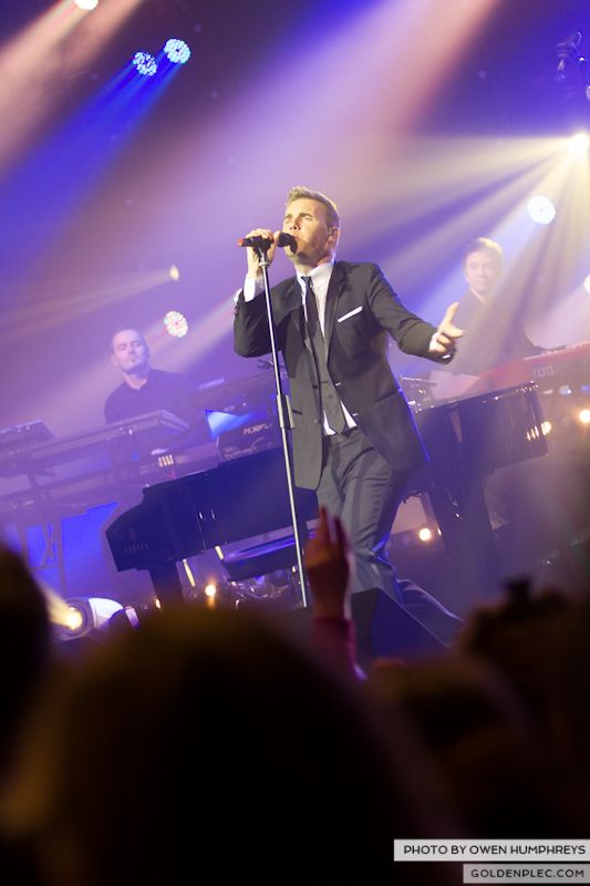 Gary Barlow @ The Olympia on 7-1-13 (8)