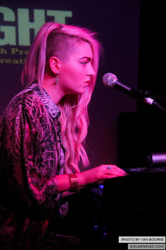 Tara Lee at Therapy Session 1 on 2 Jan 2013 by Yan Bourke_01