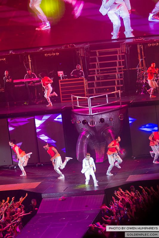 Justin Bieber @ The o2 on 17-2-13 (10)