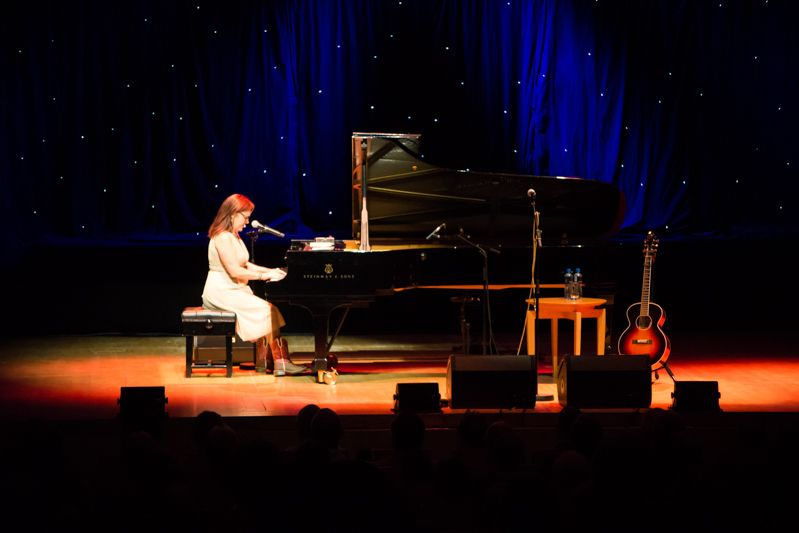 Iris Dement at NCH on 08-08-13 (1)