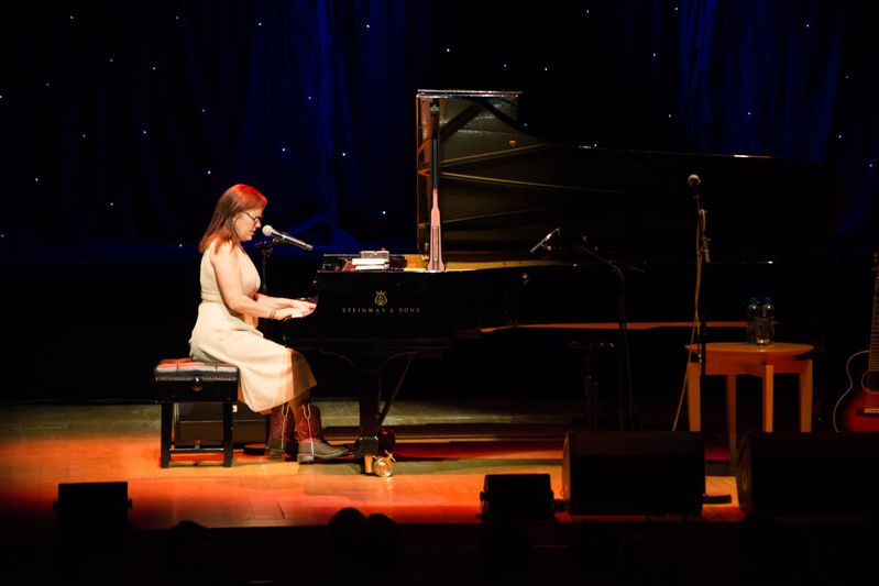 Iris Dement at NCH on 08-08-13 (3)