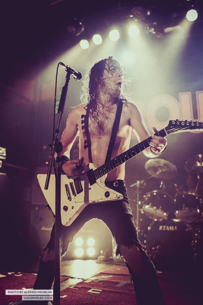Airbourne-Academy-22-oct-2013-16
