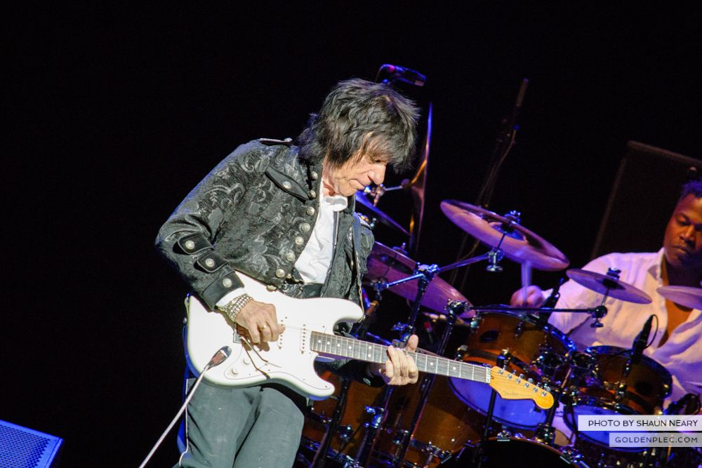 Jeff Beck at The Olympia Theatre, Dublin on May 21st 2014 by Shaun Neary-08