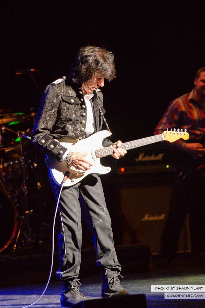 Jeff Beck at The Olympia Theatre, Dublin on May 21st 2014 by Shaun Neary-19