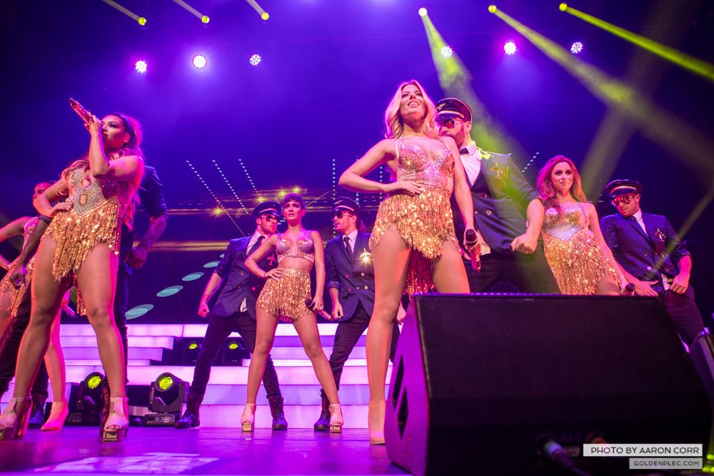 The Saturdays at Olympia by Aaron Corr-13