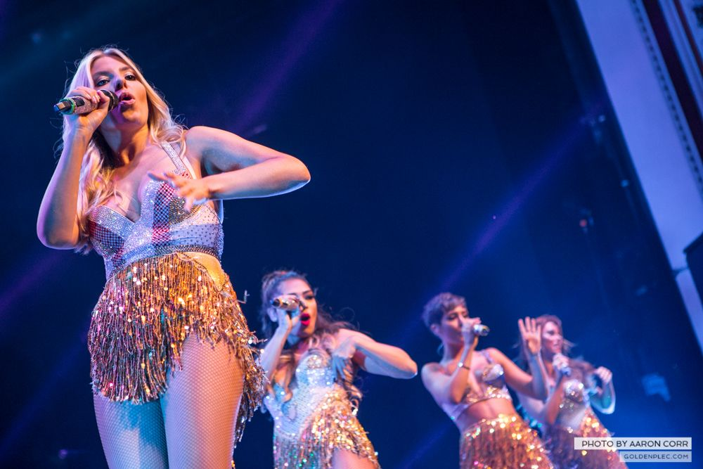 The Saturdays at Olympia by Aaron Corr-17