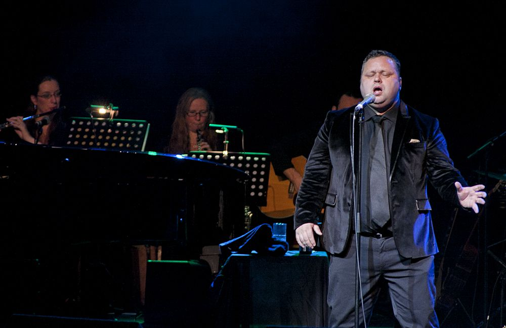Paul Potts at The Olympia by Abraham Tarrush (5)