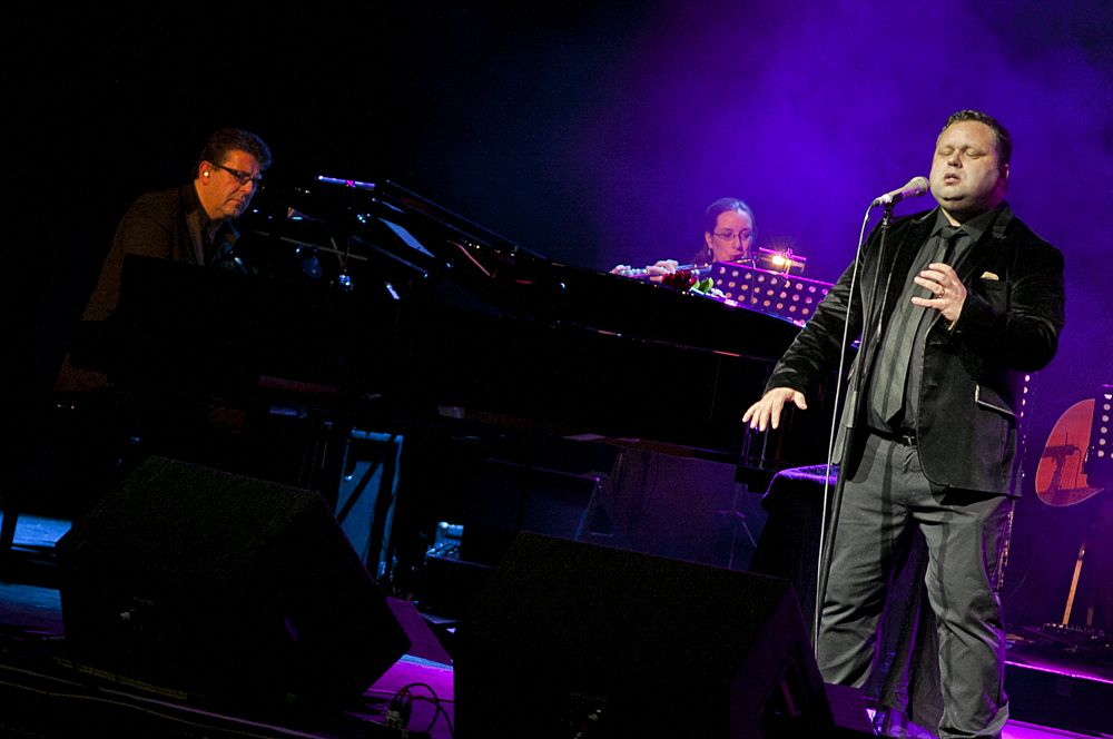 Paul Potts at The Olympia by Abraham Tarrush (7)