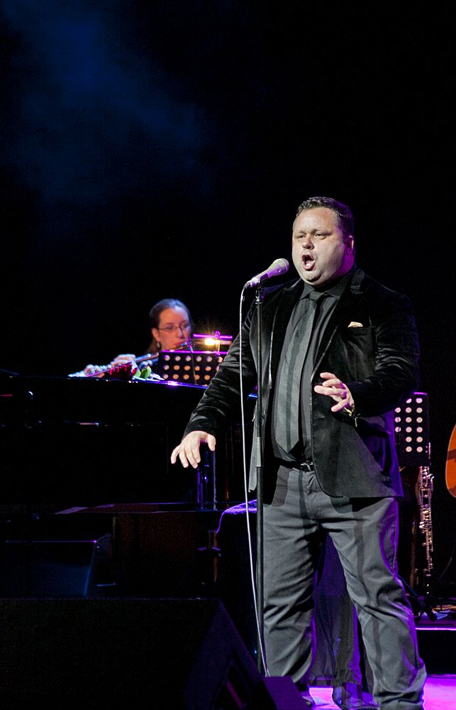 Paul Potts at The Olympia by Abraham Tarrush