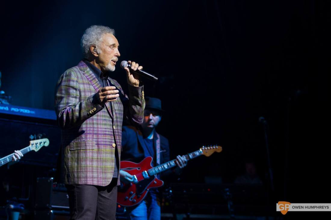 Tom Jones at The Olympia Theatre by Owen Humphreys (11 of 14)