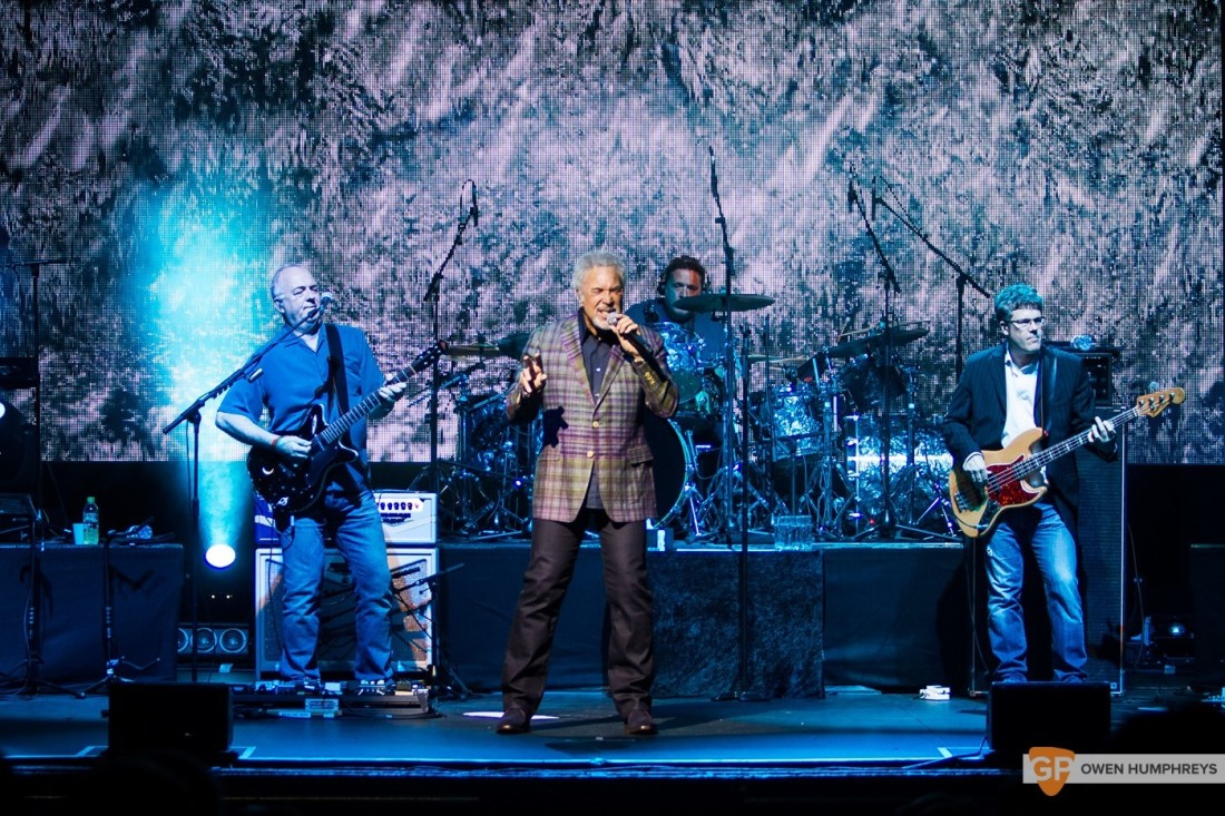 Tom Jones at The Olympia Theatre by Owen Humphreys (6 of 14)