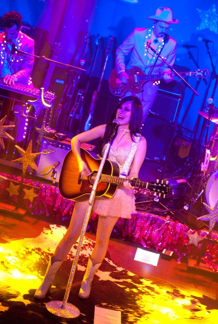 Kacey Musgraves at The Academy Dublin by Abraham Tarrush (1)