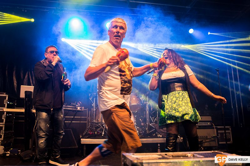 The Happy Mondays at Leopardstown Racecourse on 17 August 2017 (24 of 30)
