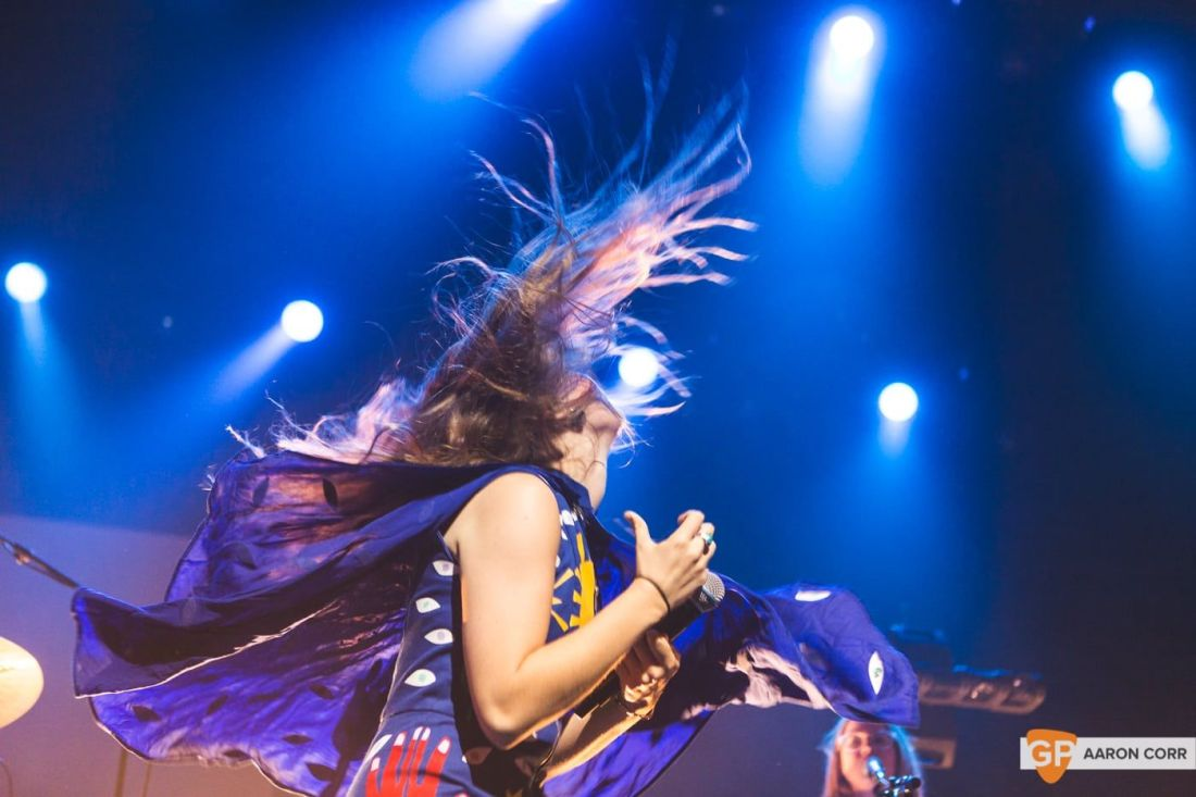 Maggie Rogers w-Haim at Olympia by Aaron Corr-1443