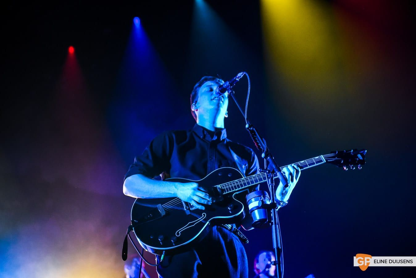 George Ezra at Verti Music Hall by Eline Duijsens GP-11