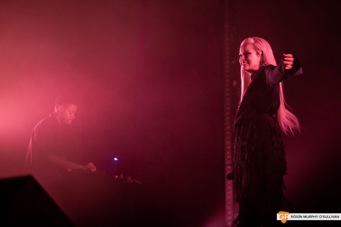 Lily Allen in The Olympia by Róisín Murphy O'Sullivan (6 of 10)