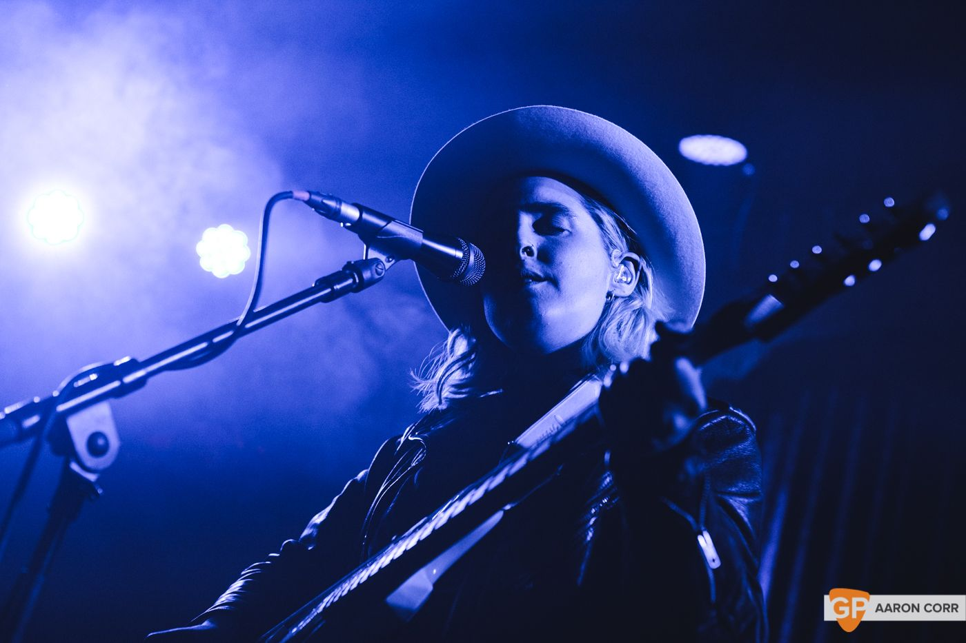 Shura at The Academy on 17-11-19 by Aaron Corr-0154
