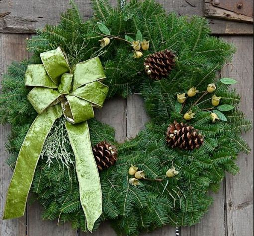 "25"" Wintergreen Wreath"