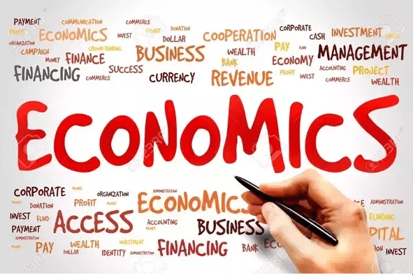 How to Start a Career With a Degree in Economics