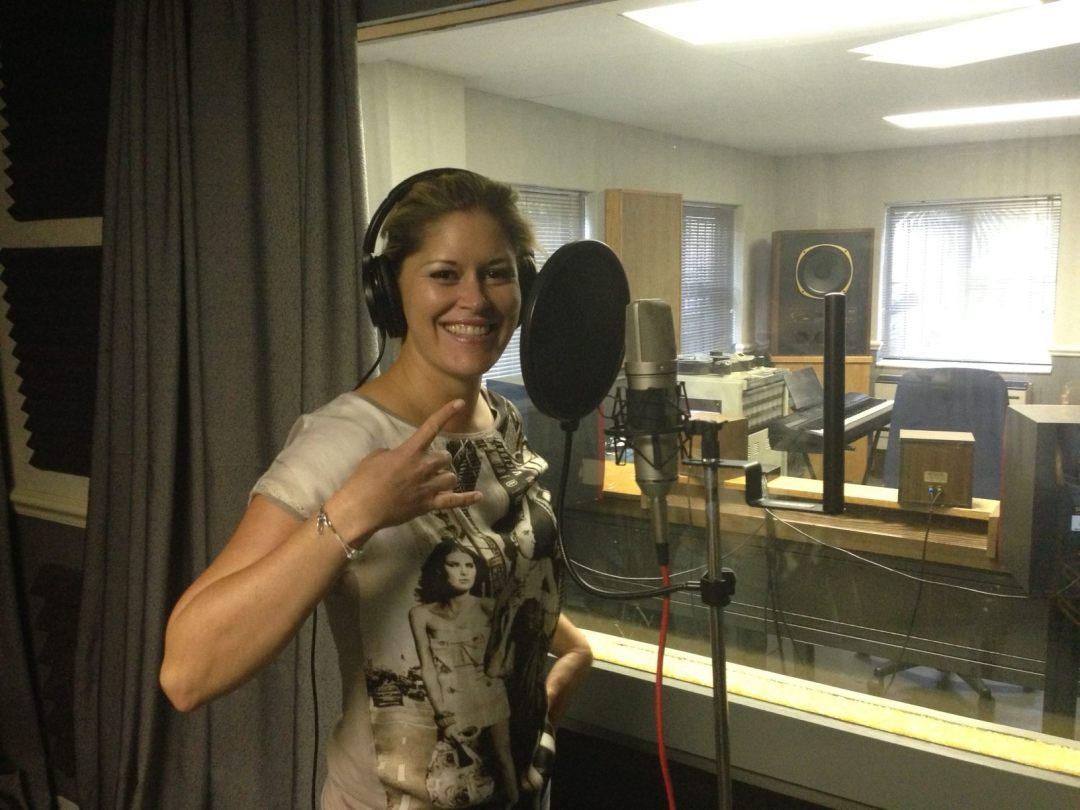 David Gresham Records, Signed as Singer-Songwriter 04.04.2014
