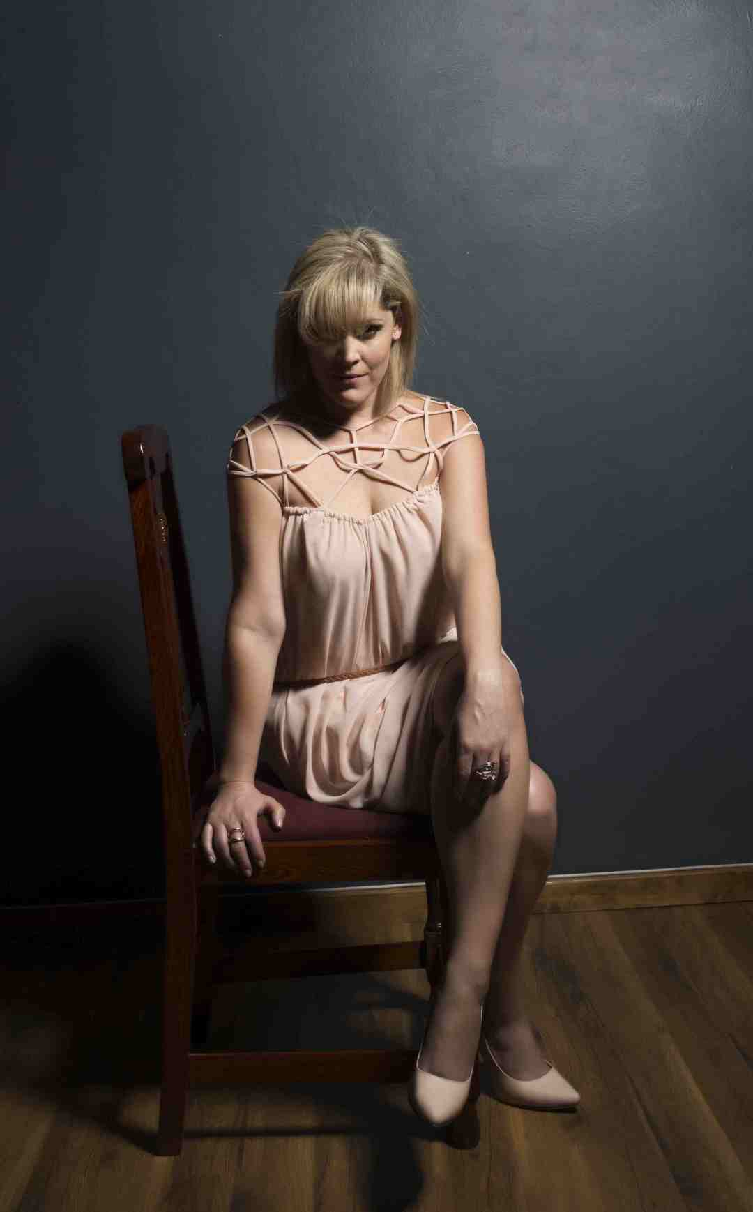 Lisa Goldin - Chair sml