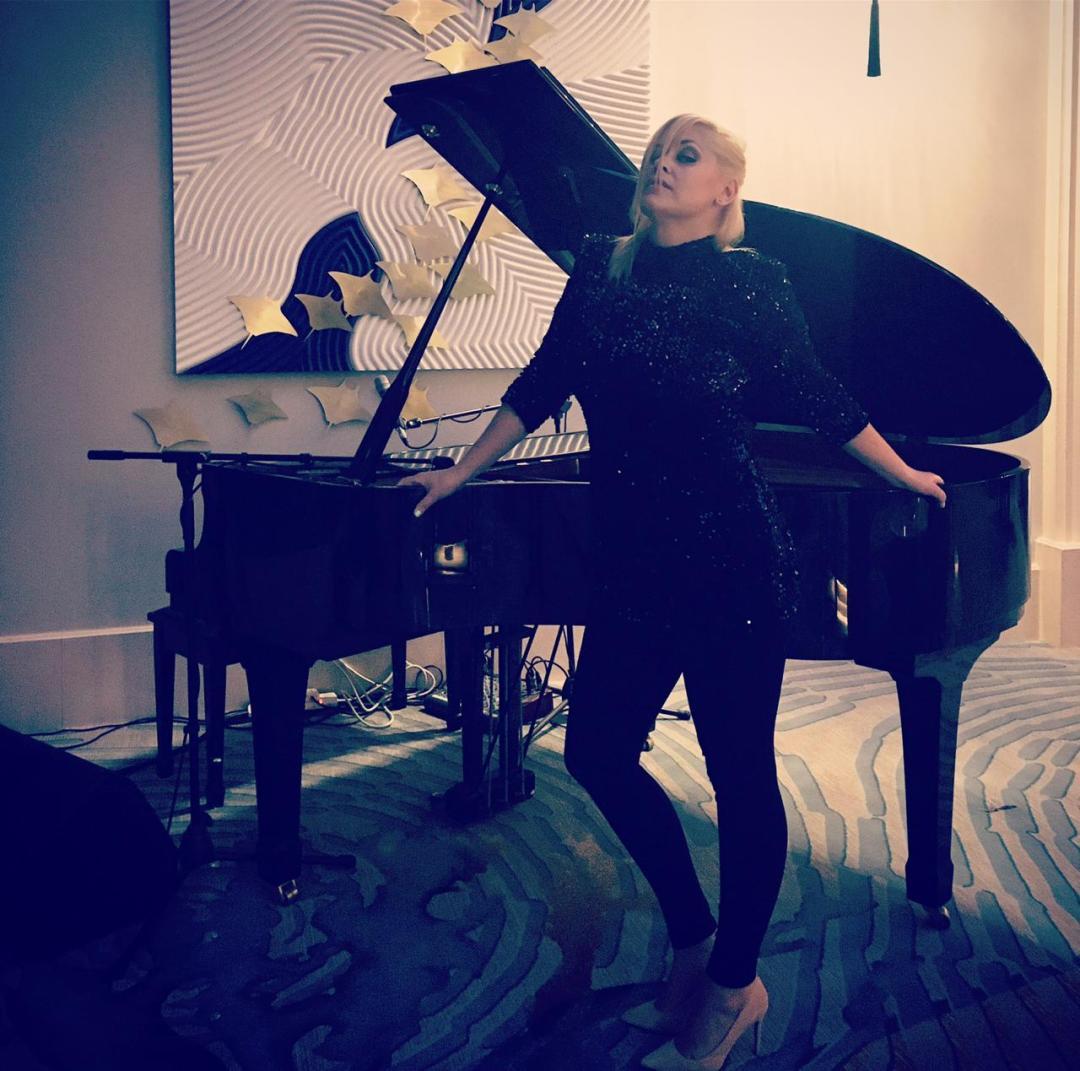 Solo Singer-Pianist 9
