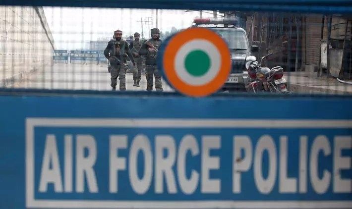 India Air Strikes in Pakistan 'India Air Force Drops 1,000kg Bomb on Terror Camps'