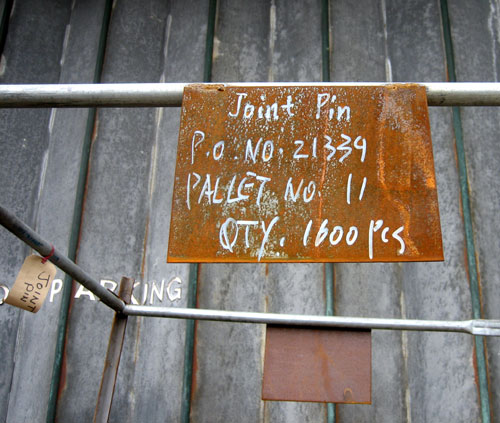 Pallet signs: Joint Pin