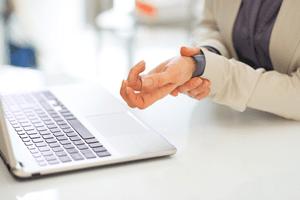 wrist strain from keyboard typing