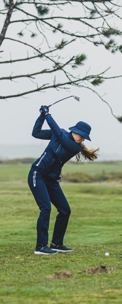 Le golf et la vie vont de pair. On joue comme on est , un jour ici et l'autre ailleurs. Le sac lui reste ancré dans son jeu, on devrait mieux l'écouter