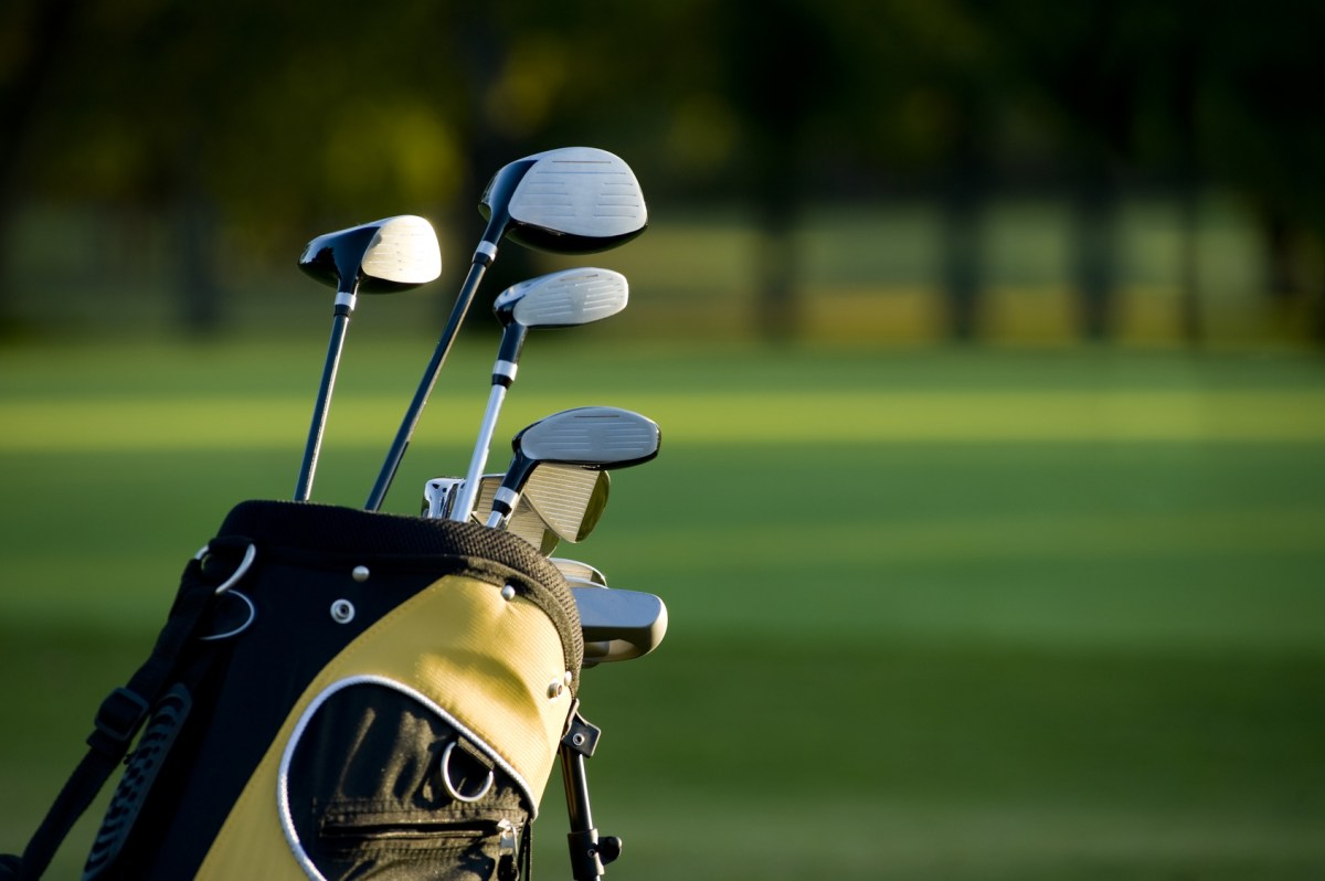 10 Things You Should Have in Your Golf Bag