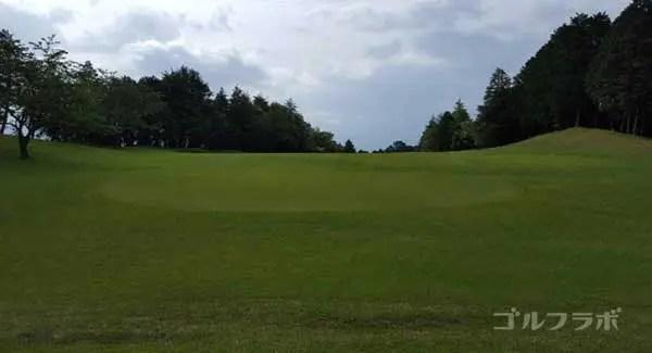 沼津ゴルフクラブの愛鷹6ホールのティーグラウンド