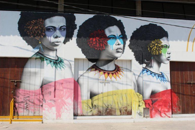 Women street art Cartagena Getsemani