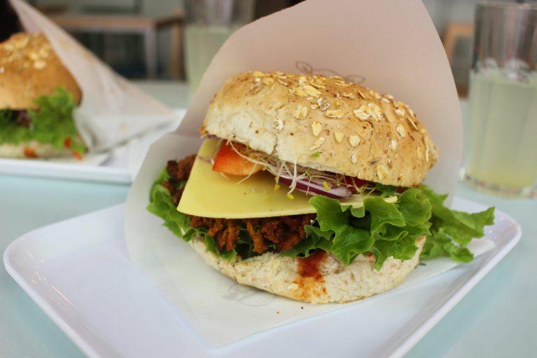 Vegan burger Warsaw Polen
