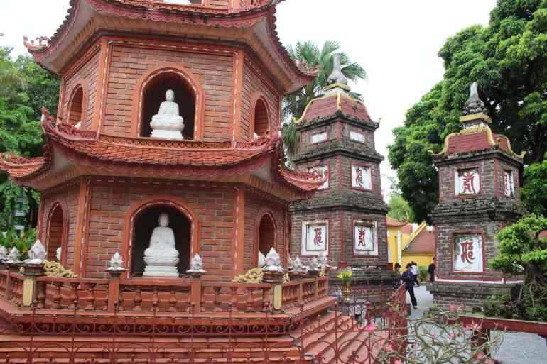 Hanoi things to do Pagoda