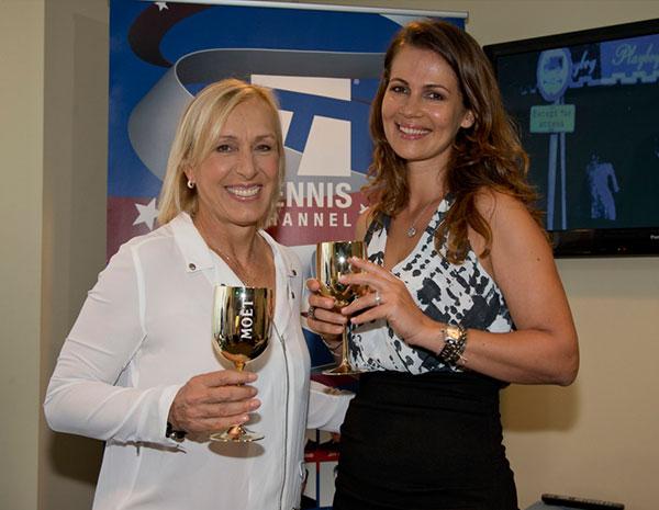 لاعبة التنس مارتينا نافاراتيلوفا تتزوج صديقتها