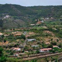 Una decena de farolas inteligentes iluminarán los barrios de Las Rosas y La Palmita
