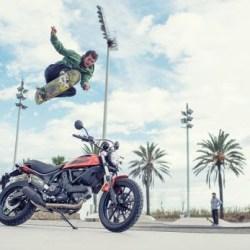 PIRELLI MT 60™ RS su Scrambler® Sixty2 Ducati