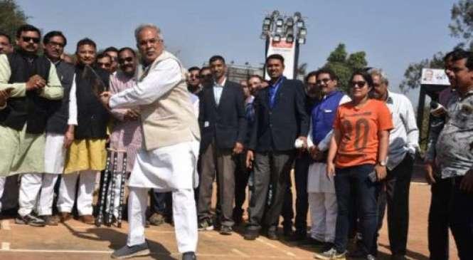 रायपुर : छत्तीसगढ़ खेल विकास प्राधिकरण गठित, मुख्यमंत्री भूपेश बघेल प्राधिकरण के अध्यक्ष और खेल मंत्री उमेश कुमार पटेल होंगे पदेन उपाध्यक्ष